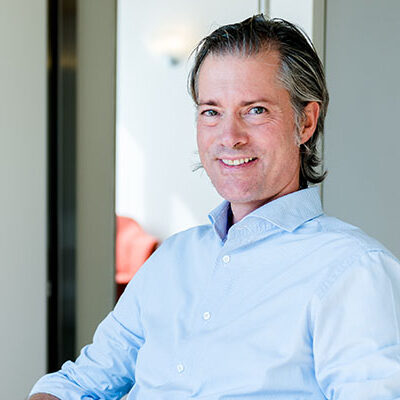 Dr. Theo Signer ist Chefarzt und Ärztlicher Direktor der Vista Klinik