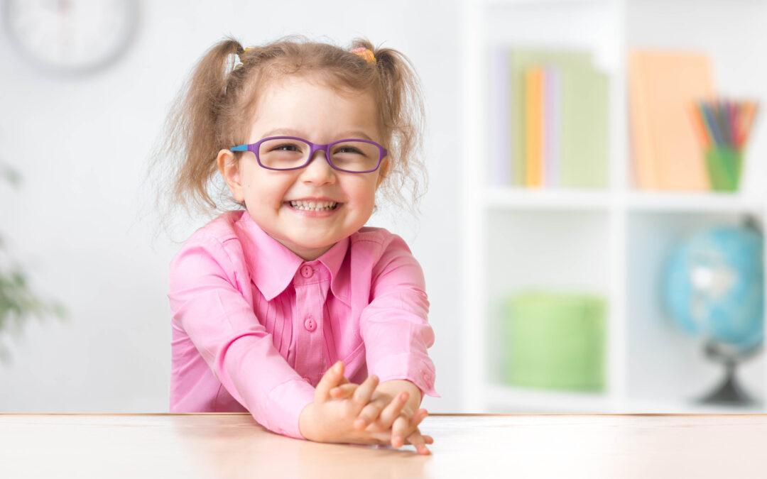 So bringen Sie Ihr Kleinkind zur Brille