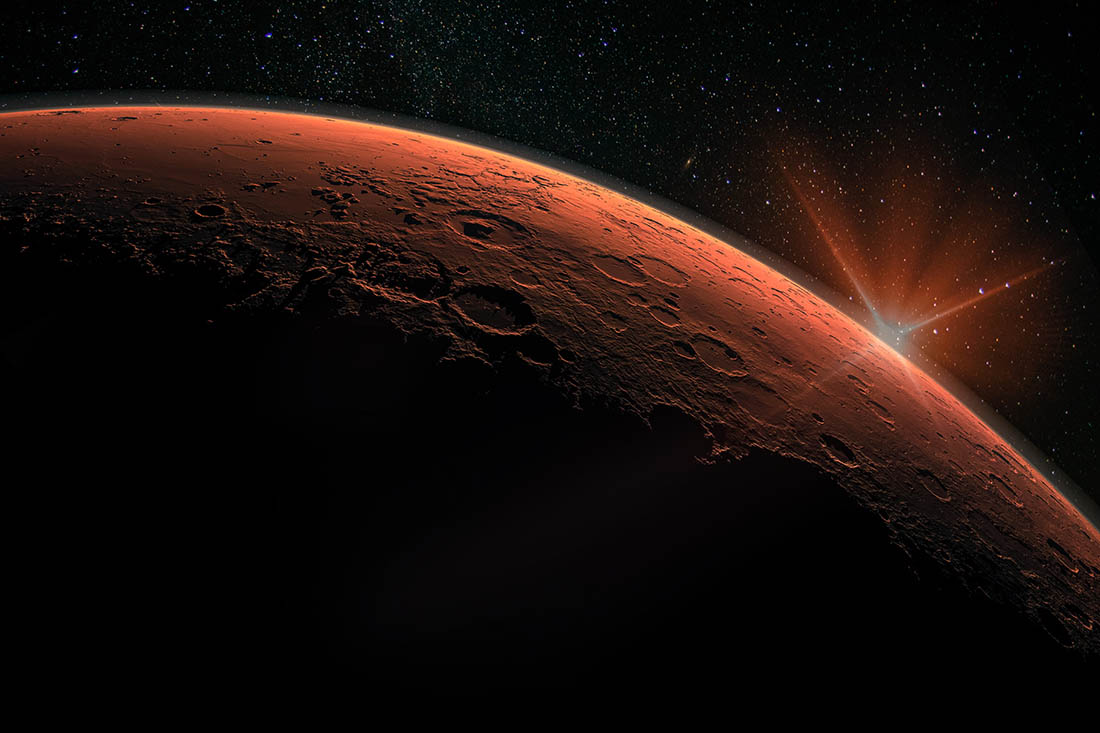 Sonnenaufgang über dem Planeten Mars.