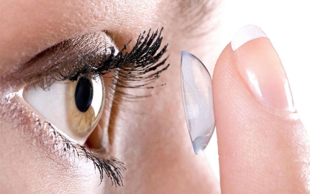 Make-Up und Kontaktlinsen – kann das funktionieren?